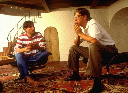 Фото 2 . Стив Джобс и Билл Гейтс